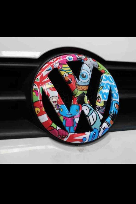 Auto folija oblepljivanje VW znaka
